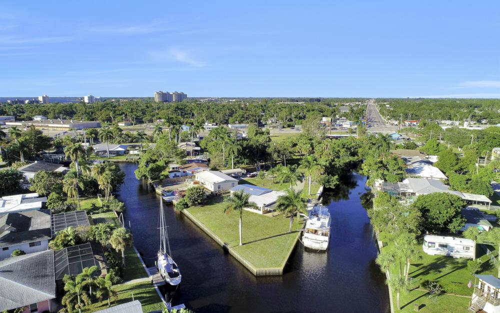 1156 Harbor Dr N. Fort Myers - Home For Sale 1666294540