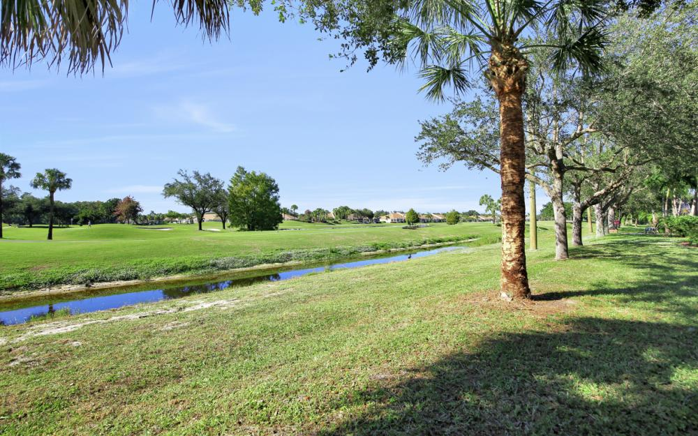 14620 Beaufort Cir, Naples - Home For Sale 1754230130