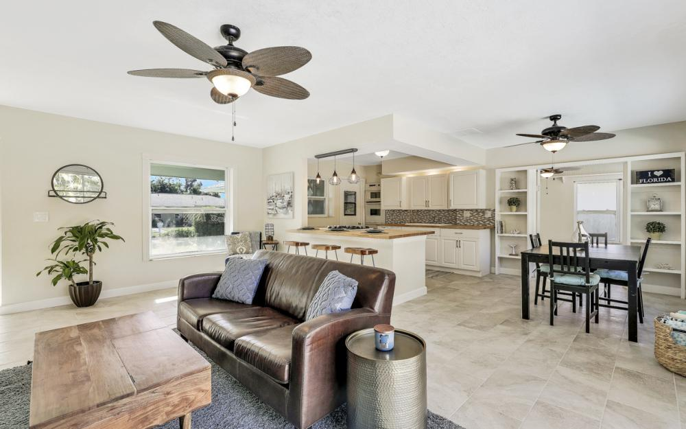 1260 Skylark Ave, Marco Island - Home For Sale 87545716