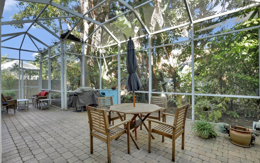 9808 Ensign Ct, Fort Myers - Home For Sale 404494524