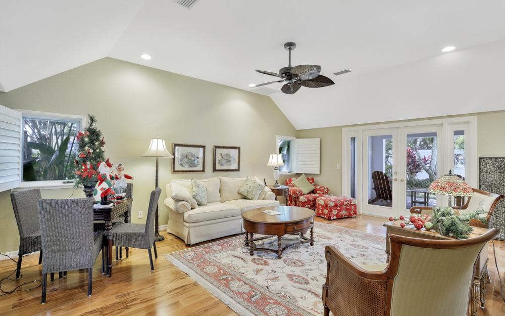 9808 Ensign Ct, Fort Myers - Home For Sale 417515758