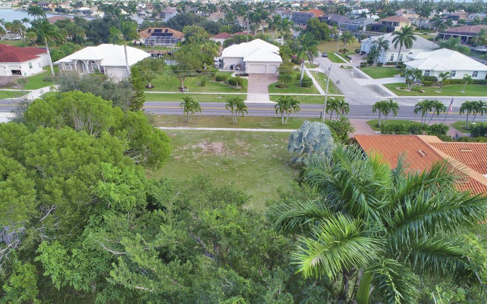 730 Kendall Dr, Marco Island - Lot For Sale 1951357487