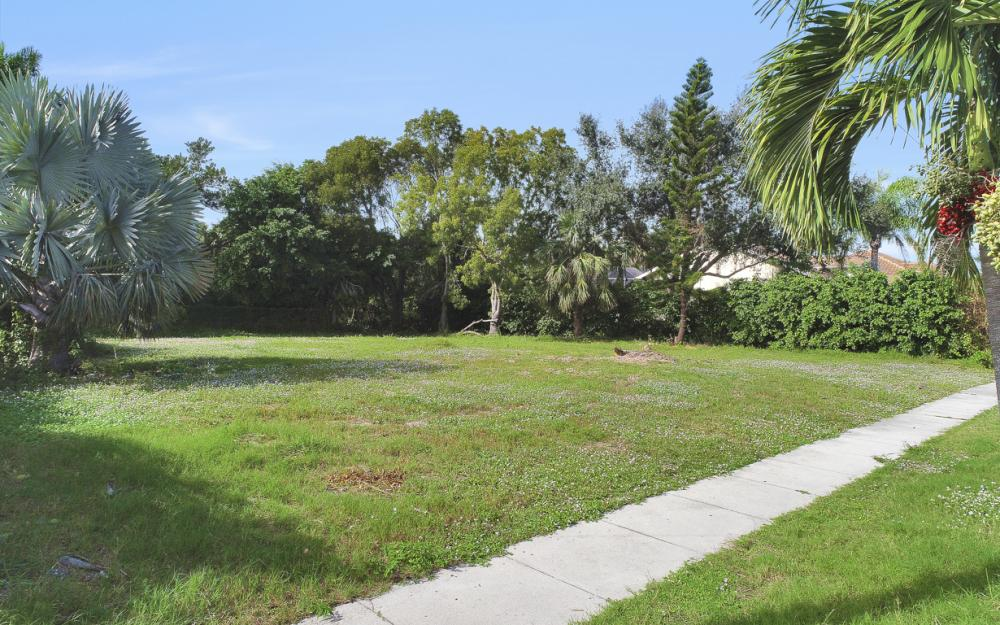 730 Kendall Dr, Marco Island - Lot For Sale 1804030082