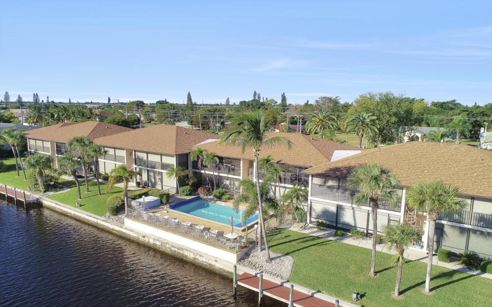 4525 Country Club Blvd #107, Cape Coral - Condo For Sale 813422991