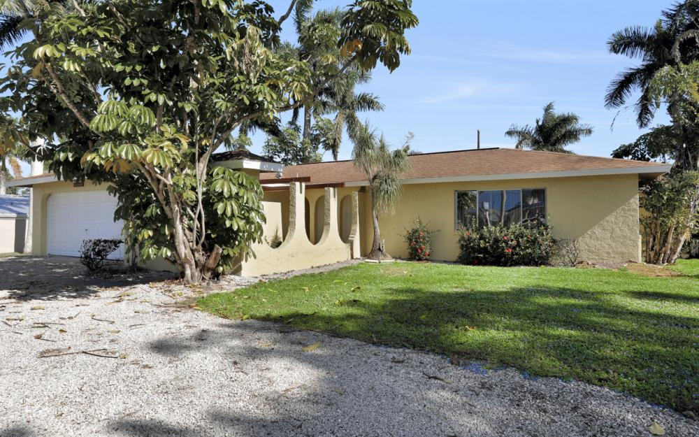 16741 San Carlos Blvd, Fort Myers - Home For Sale 1974015356