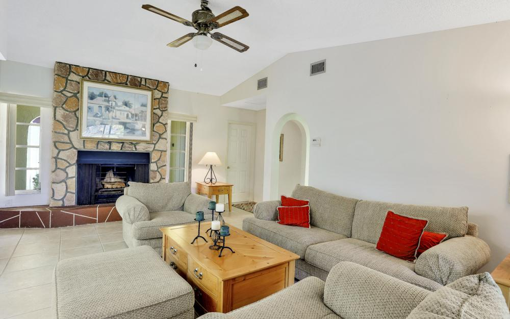 16741 San Carlos Blvd, Fort Myers - Home For Sale 193880795