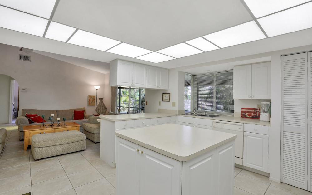16741 San Carlos Blvd, Fort Myers - Home For Sale 1634918407