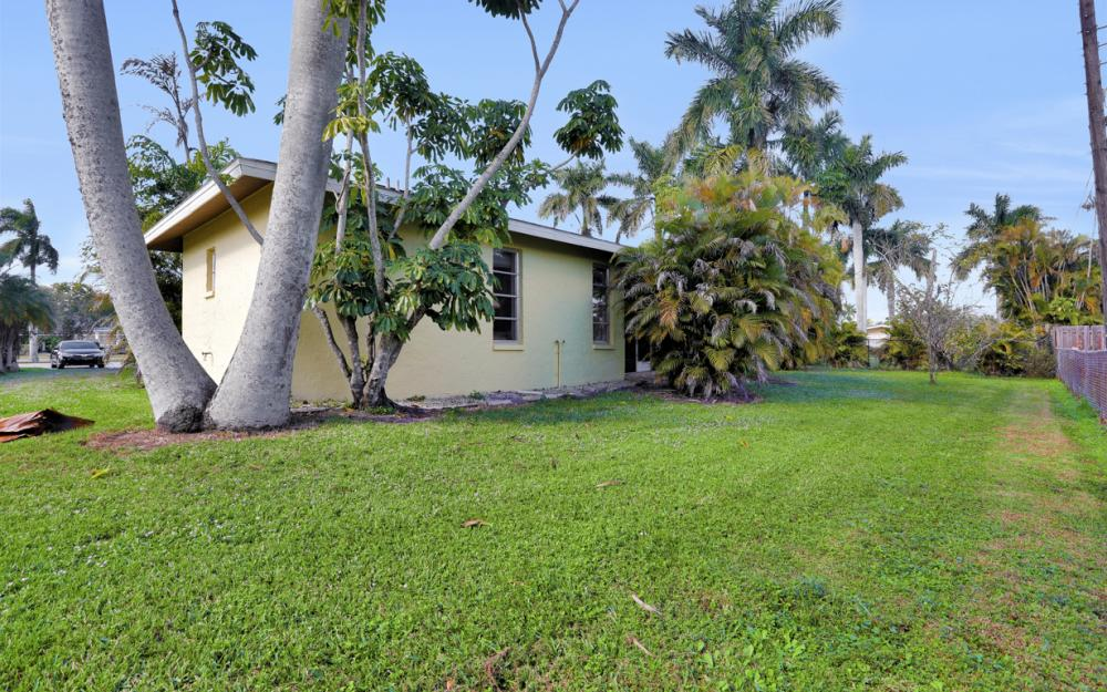 16741 San Carlos Blvd, Fort Myers - Home For Sale 467965217