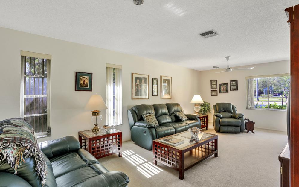 16741 San Carlos Blvd, Fort Myers - Home For Sale 1286605099