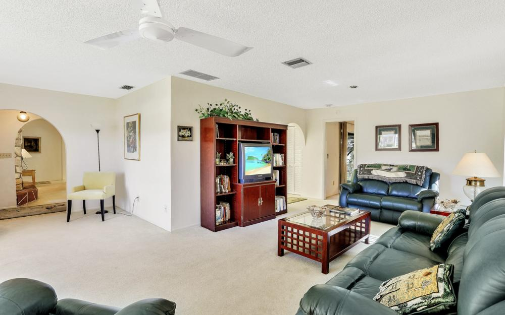 16741 San Carlos Blvd, Fort Myers - Home For Sale 1750944770