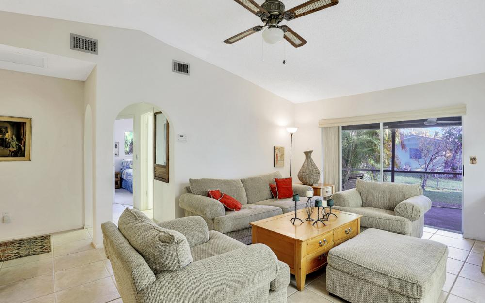 16741 San Carlos Blvd, Fort Myers - Home For Sale 1918889027