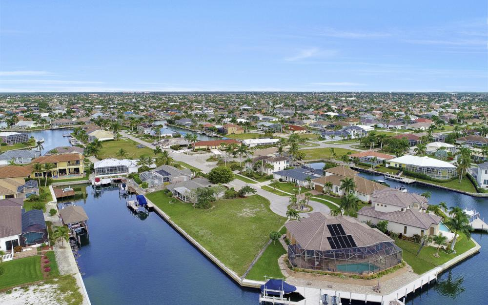 1020 Dill Ct, Marco Island - Lot For Sale 225159478