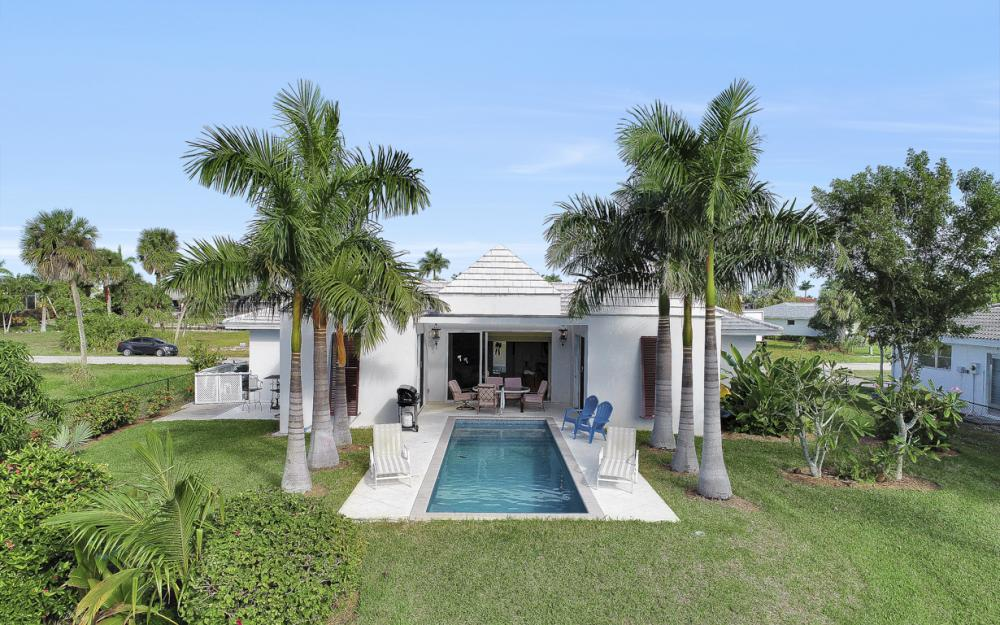 805 Saturn Ct, Marco Island - Home For Sale 695133357