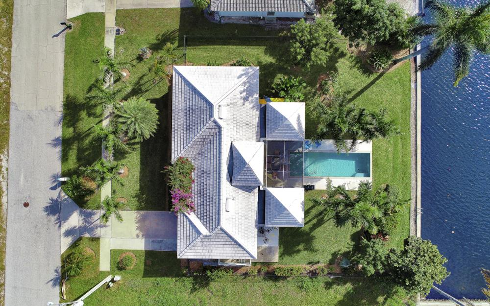 805 Saturn Ct, Marco Island - Home For Sale 302156631