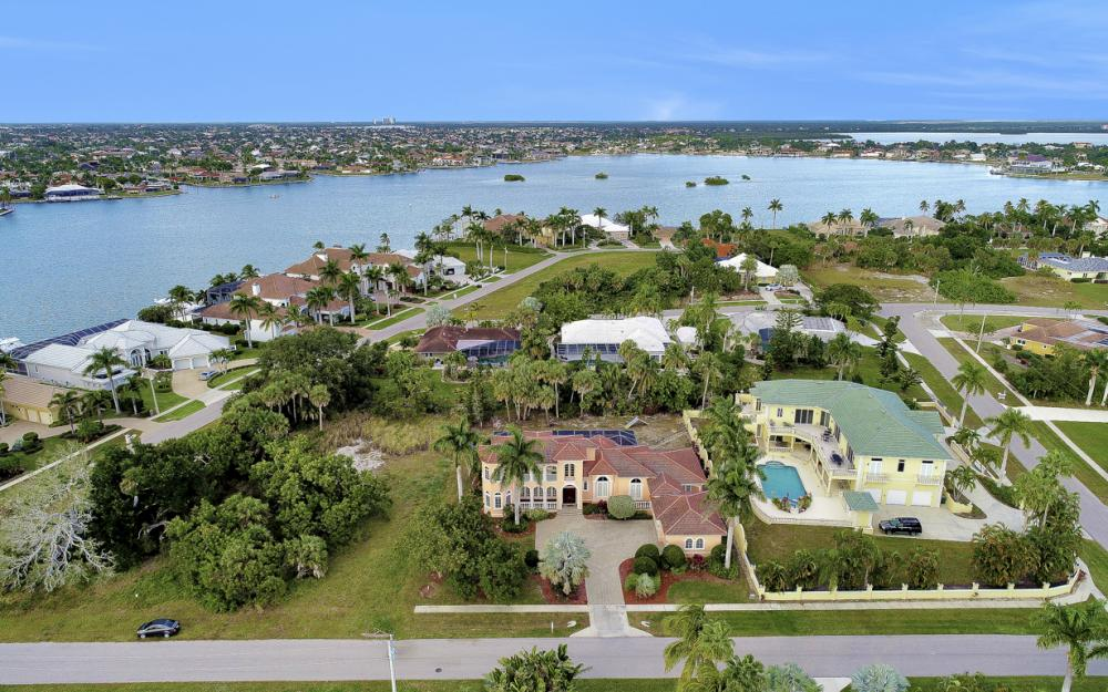 1570 Doxee Ter, Marco Island - Home For Sale 848822479