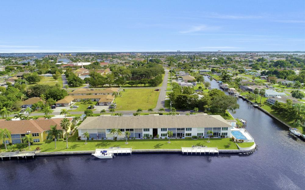 4034 SE 12th Ave #101, Cape Coral - Condo For Sale 810036002