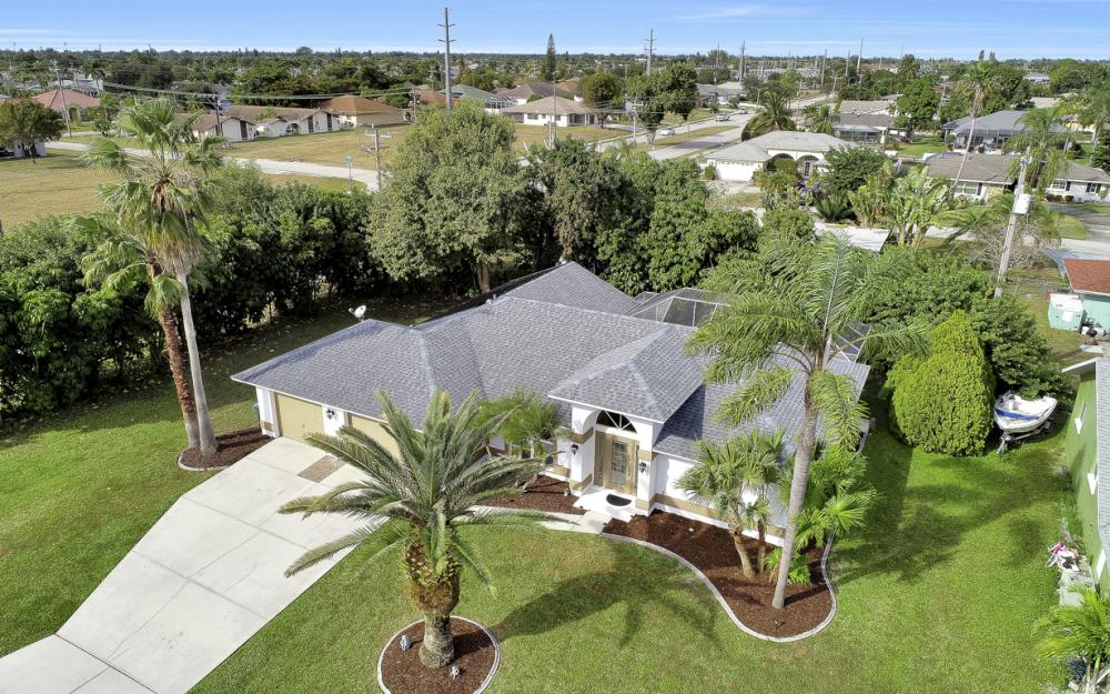 101 SE 43rd St, Cape Coral - Home For Sale 473256710