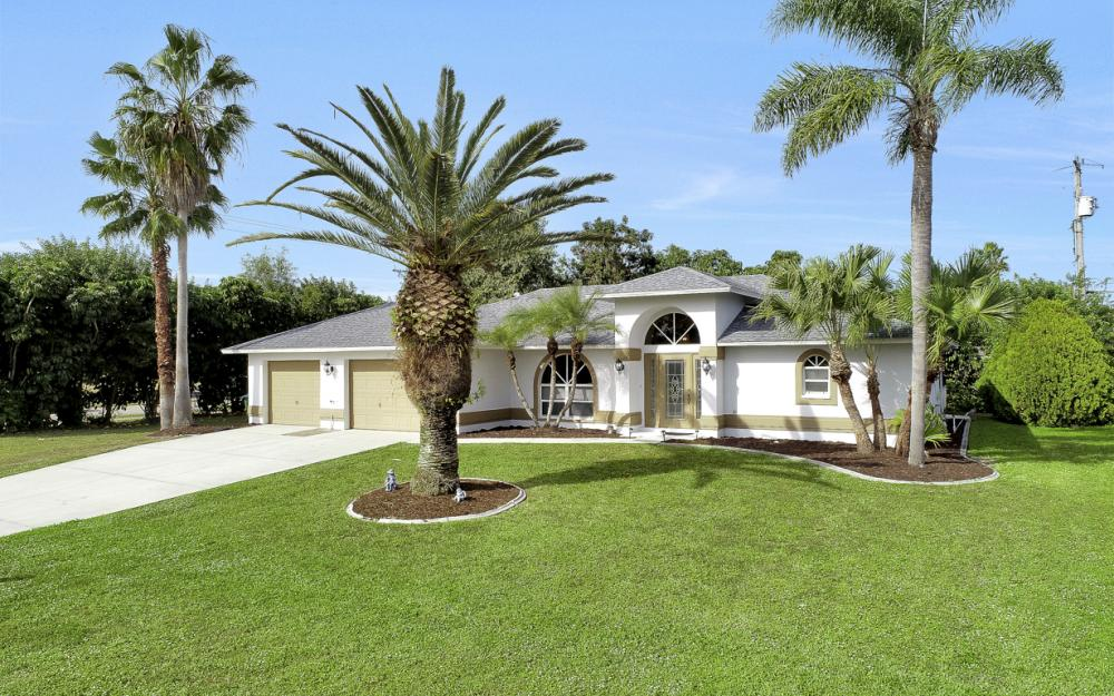 101 SE 43rd St, Cape Coral - Home For Sale 879079674