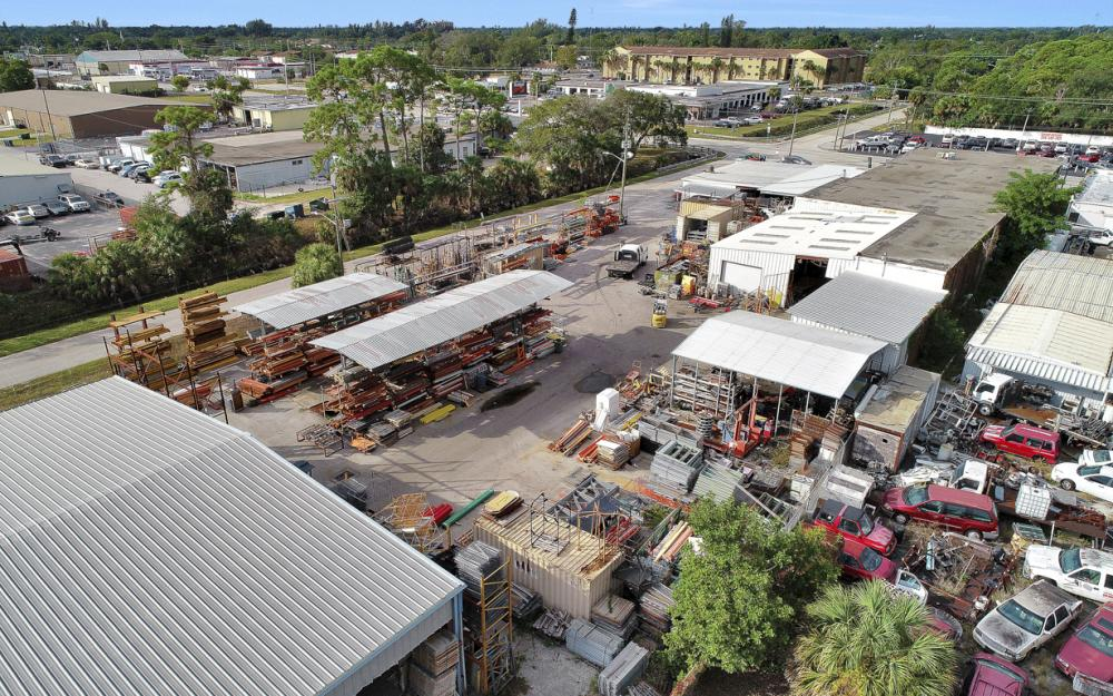 2765 Fowler St, Fort Myers - Commercial Building For Sale 582126382