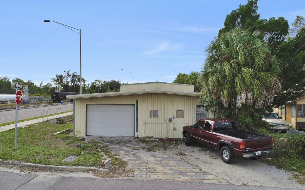 2765 Fowler St, Fort Myers - Commercial Building For Sale 1095610543