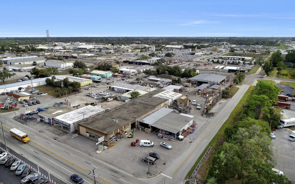 2765 Fowler St, Fort Myers - Commercial Building For Sale 1628654349