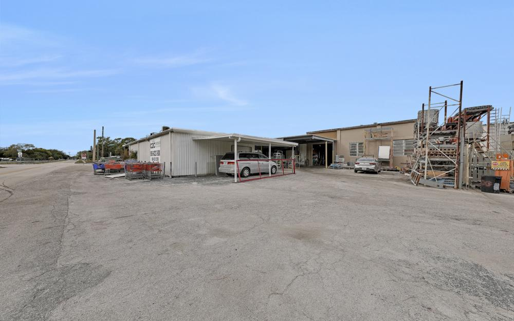 2765 Fowler St, Fort Myers - Commercial Building For Sale 573478851