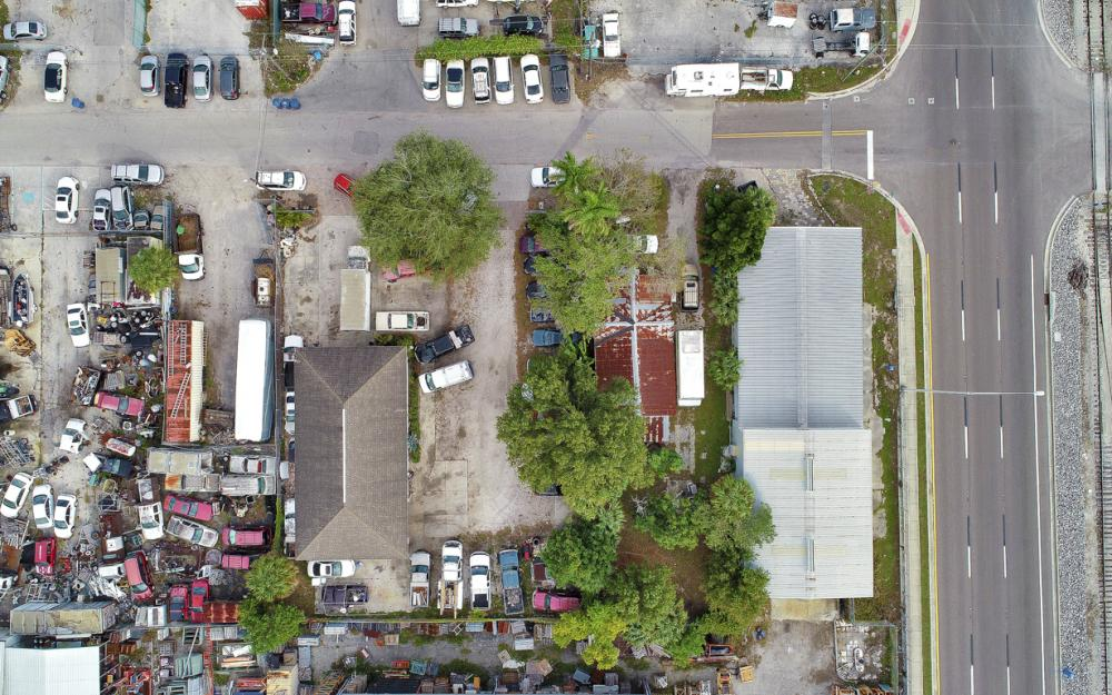 2765 Fowler St, Fort Myers - Commercial Building For Sale 658647423