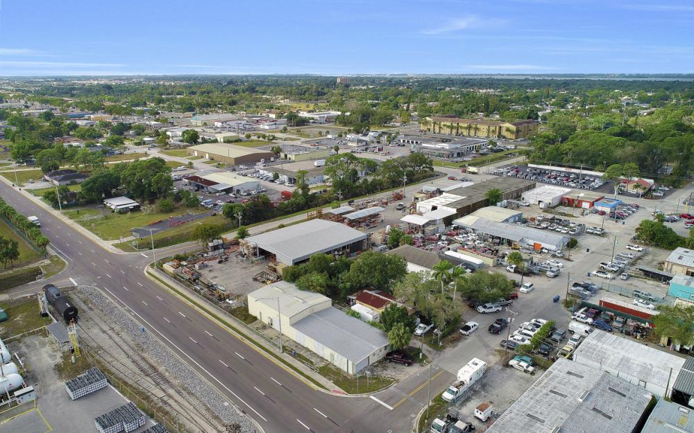 2765 Fowler St, Fort Myers - Commercial Building For Sale 137174910