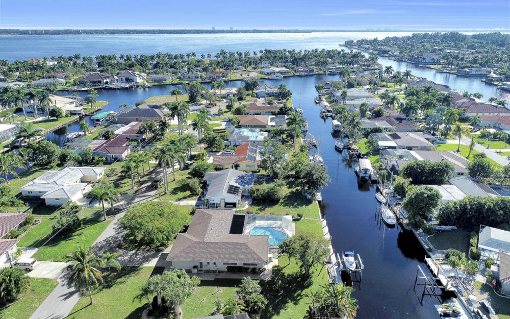 5312 Baypoint Ct, Cape Coral - Home For Sale 1574867670