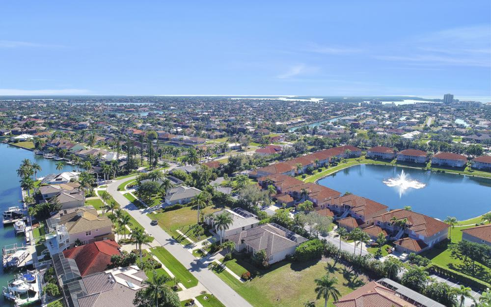 1033 Fieldstone Dr, Marco Island - Vacation Rental  1100548542