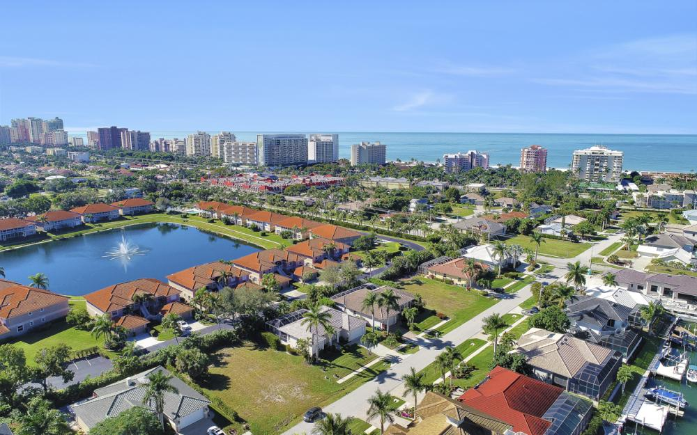 1033 Fieldstone Dr, Marco Island - Vacation Rental  2126716612