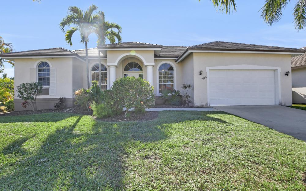1033 Fieldstone Dr, Marco Island - Vacation Rental  1937053458