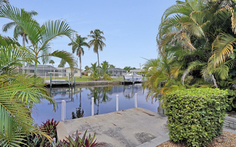 5402 SW 3rd Ave, Cape Coral - Home For Sale 1085198795