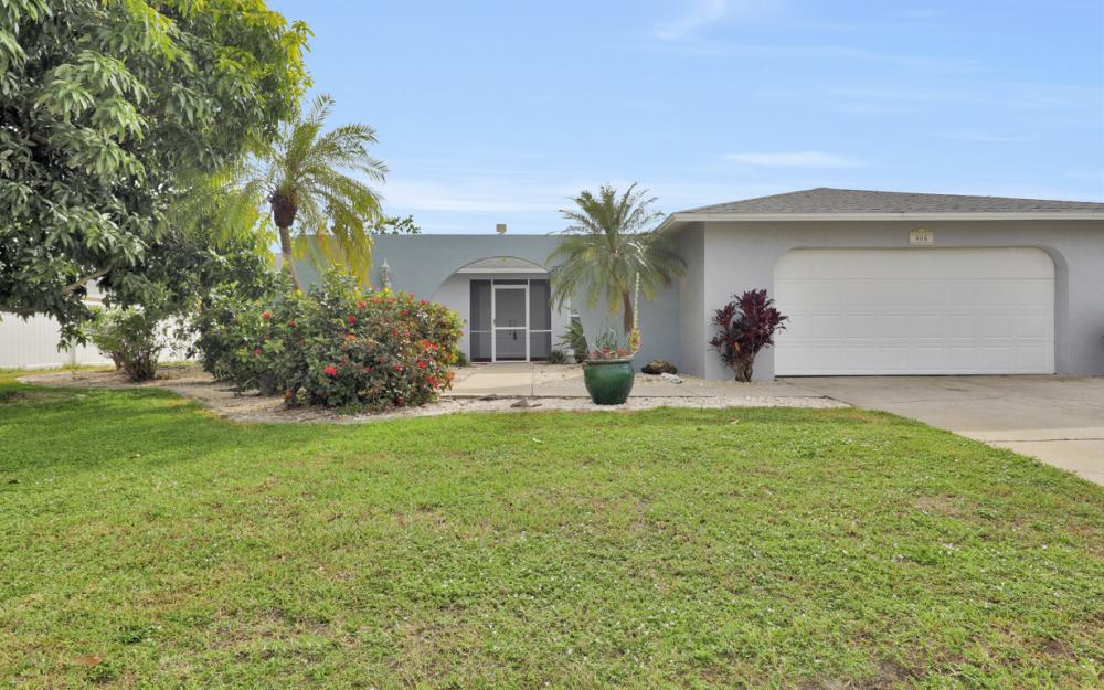 908 SE 35th Ter, Cape Coral - Home For Sale 1205049927
