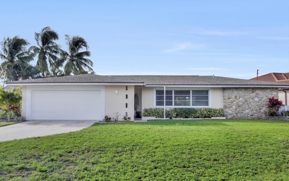 4132 SE 9th Pl Cape Coral - Home For Sale 908759173
