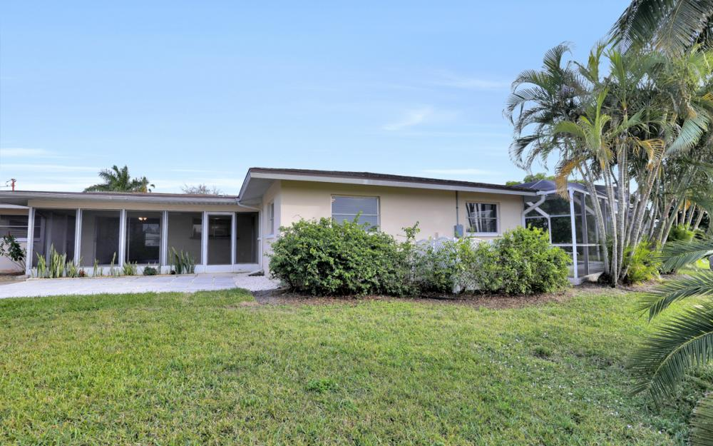 4132 SE 9th Pl Cape Coral - Home For Sale 2052506505