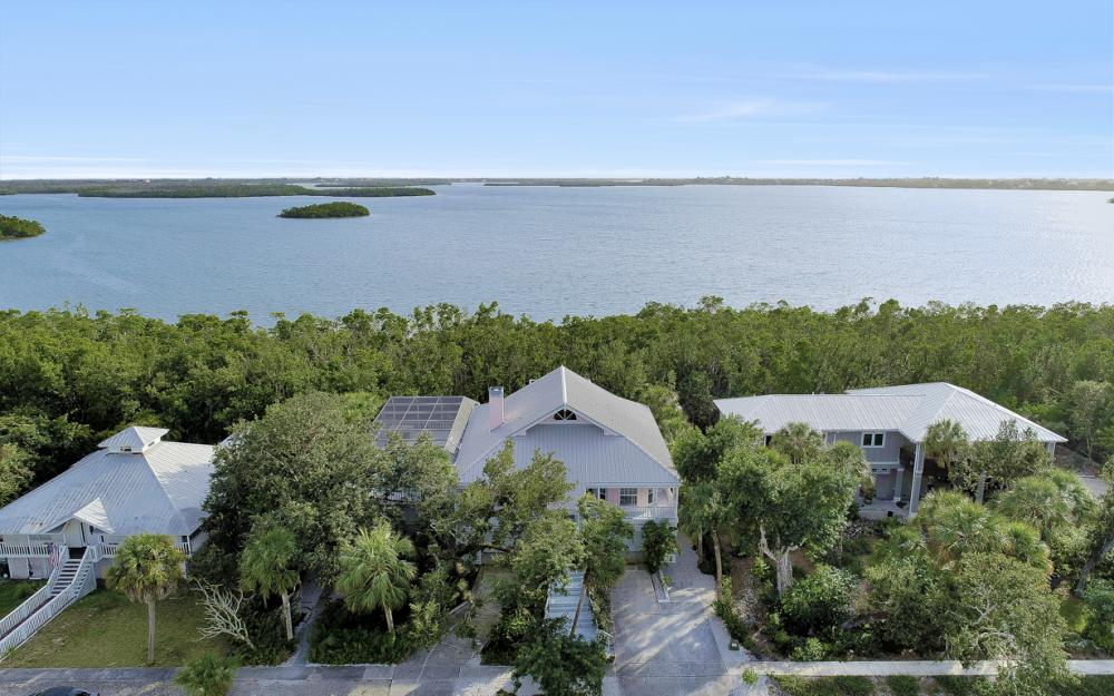 2003 Sheffield Ave, Marco Island - Home For Sale 718061311