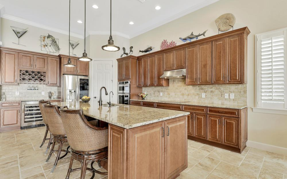 9281 Quarry Dr, Naples - Home For Sale 981811764