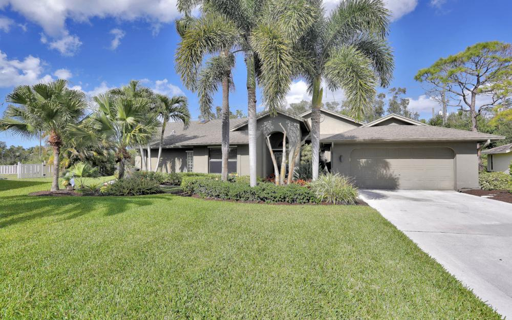 28520 Clinton Ln, Bonita Springs - Home For Sale 658229664