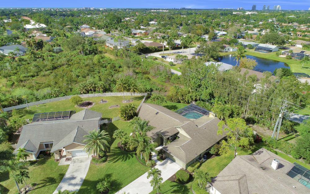 28520 Clinton Ln, Bonita Springs - Home For Sale 828980974