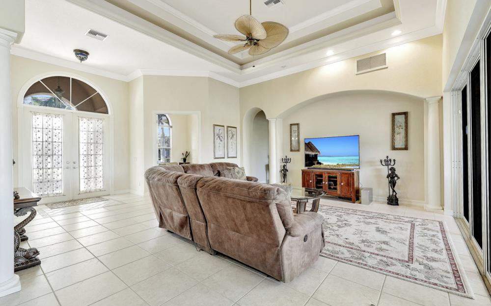 127 Peach Ct, Marco Island - Vacation Rental 1286372423