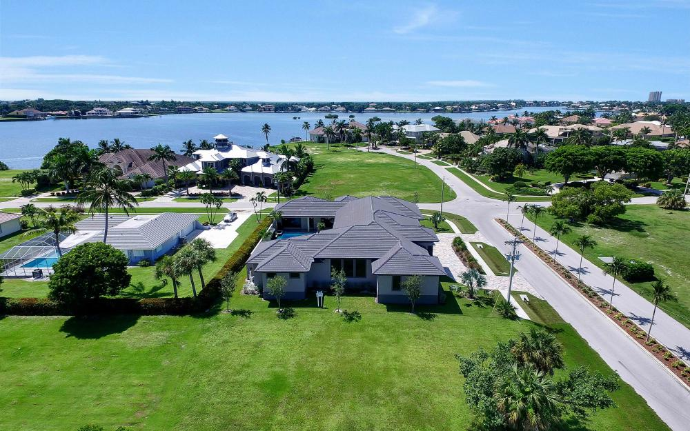 1600 Collingswood Ct, Marco Island - Home For Sale 2065777538