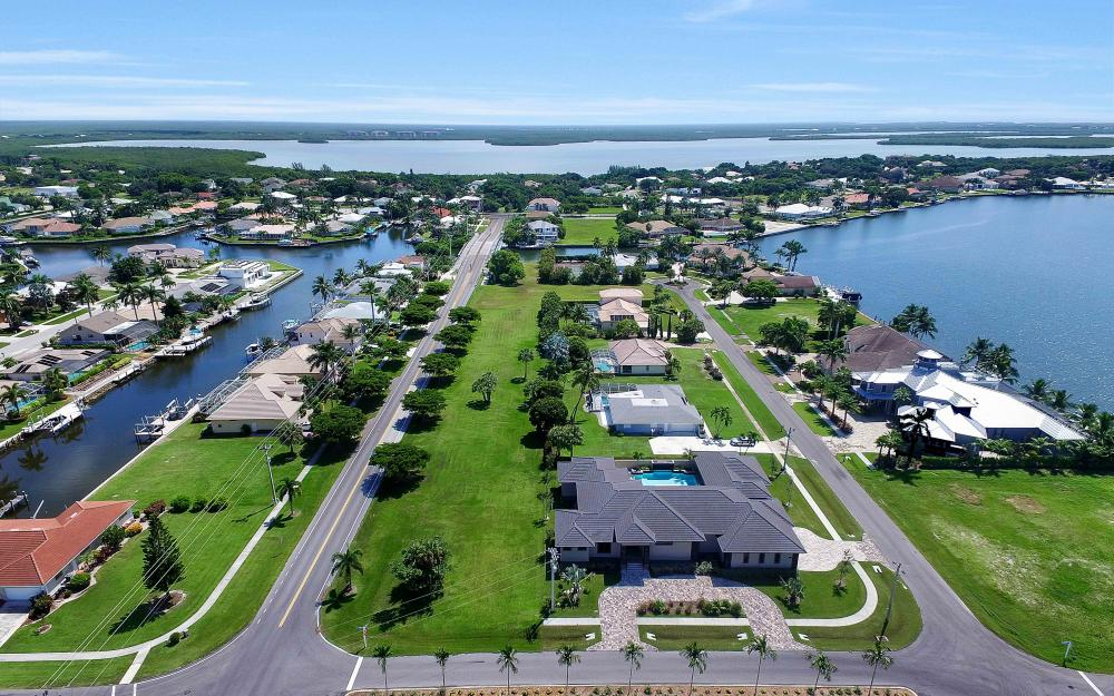 1600 Collingswood Ct, Marco Island - Home For Sale 1219304933