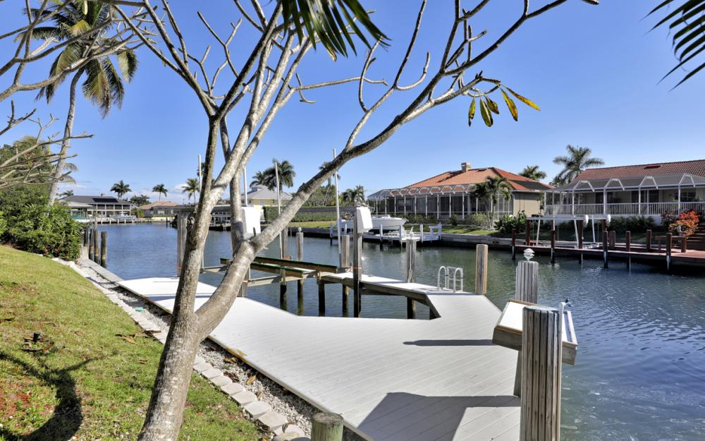 1041 Winterberry Dr, Marco Island - Home For Sale 69233200