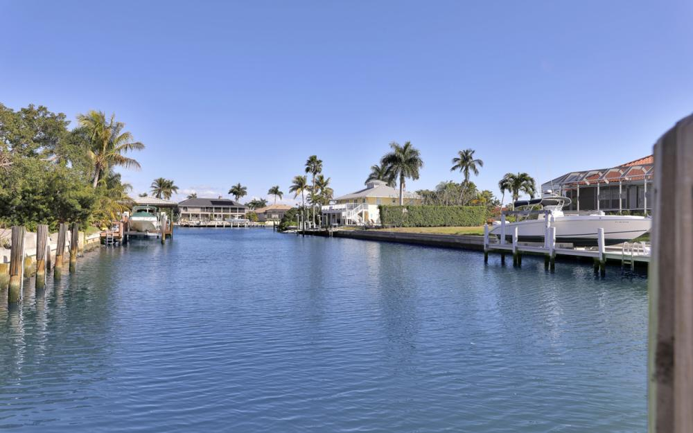 1041 Winterberry Dr, Marco Island - Home For Sale 338872601