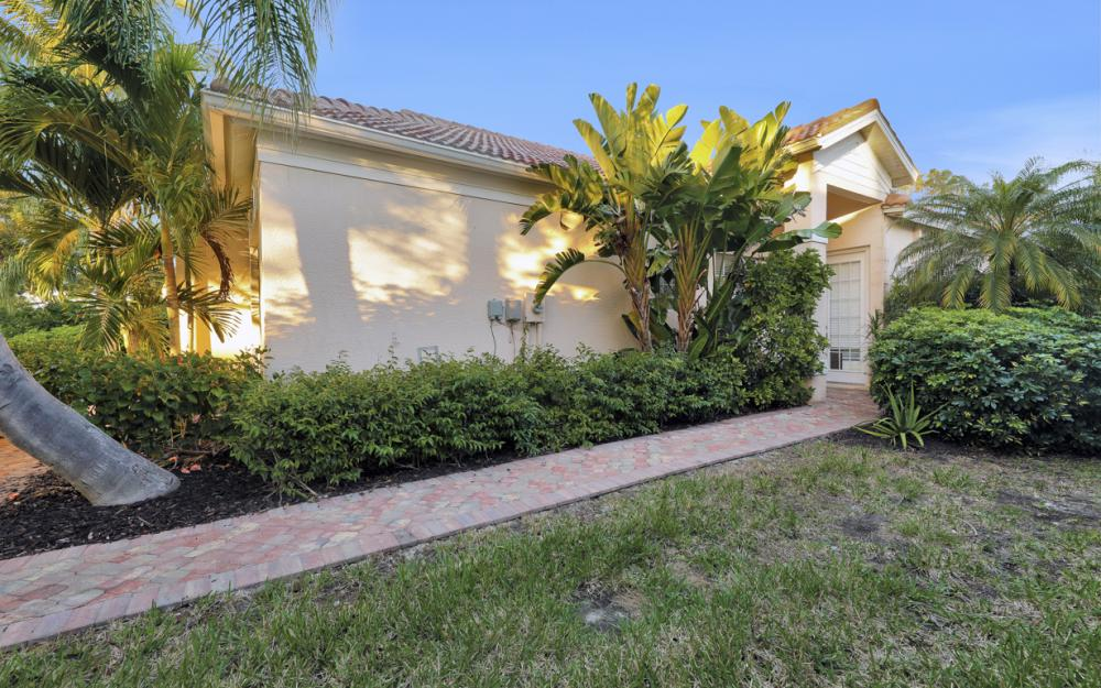 14596 Glen Eden Dr, Naples - Home For Sale 605009393