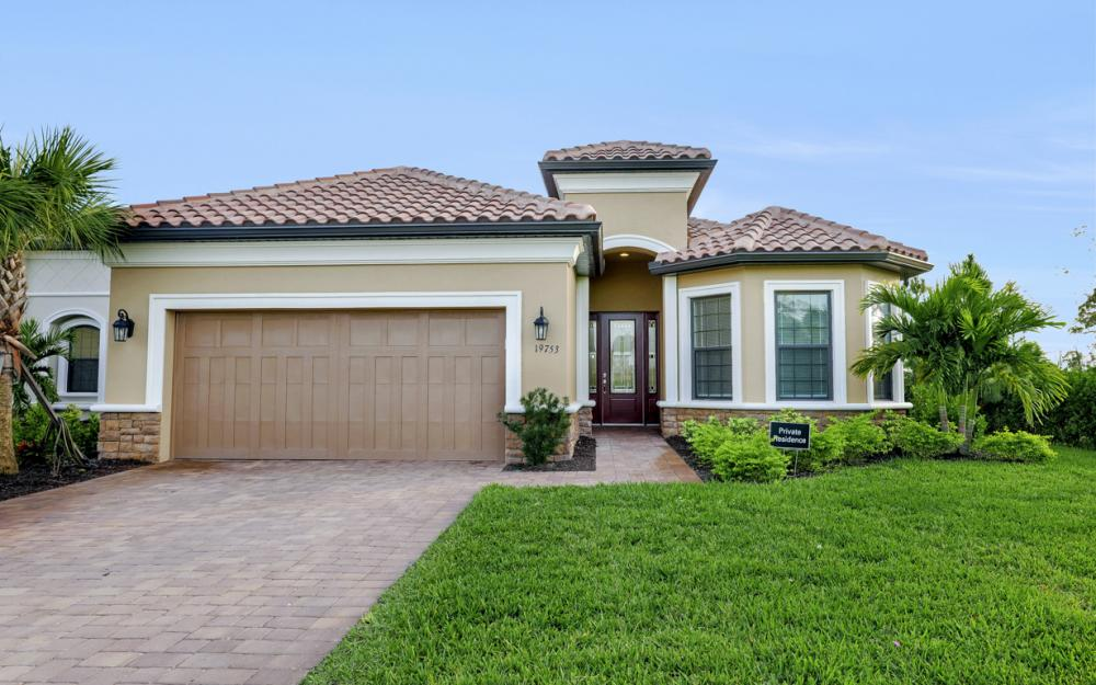 19753 Estero Pointe Ln, Fort Myers - Home For Sale 819704358