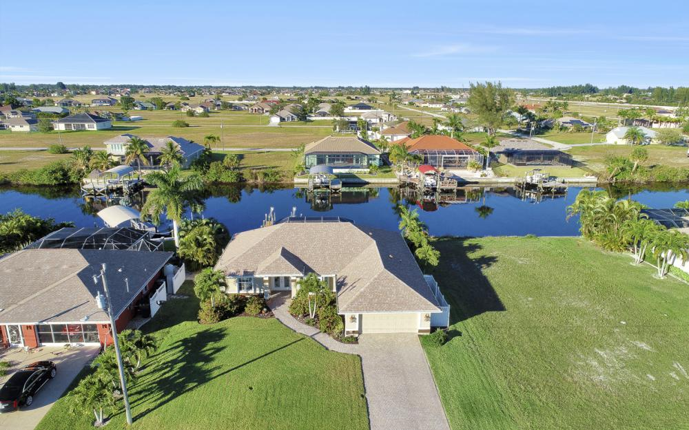3313 NW 3rd Ter, Cape Coral - Home For Sale 753024139