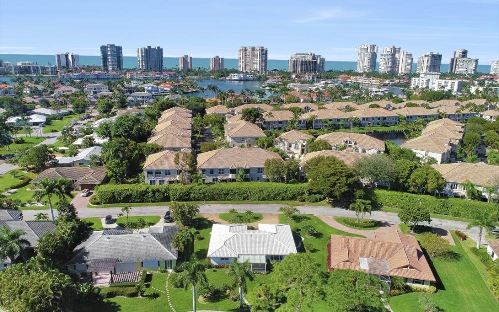 722 Park Shore Ct, Naples - Home For Sale 1252788297