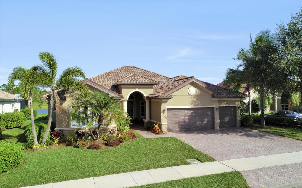 12849 Kingsmill Way, Ft Myers - Home For Sale 571182070